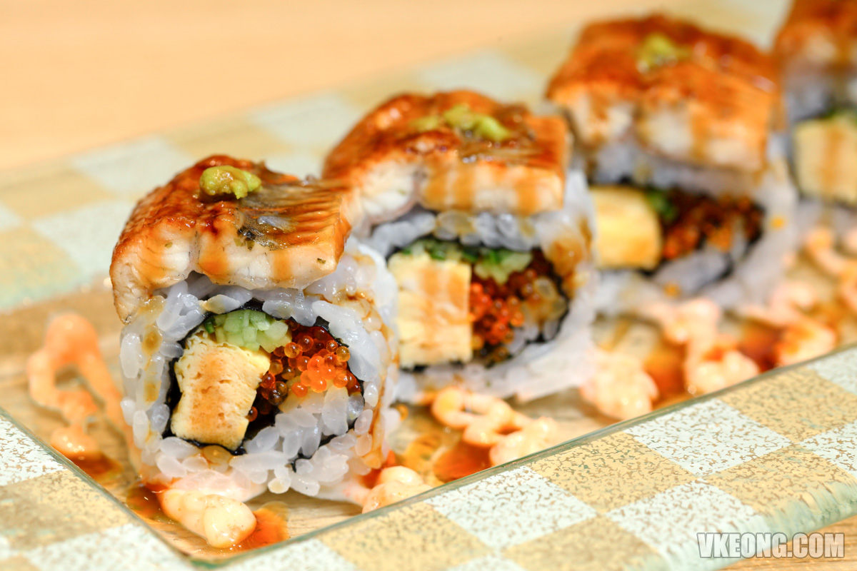 J's-Gate-Dining-Unagi-Roll