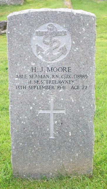 Lochalsh War Grave 1