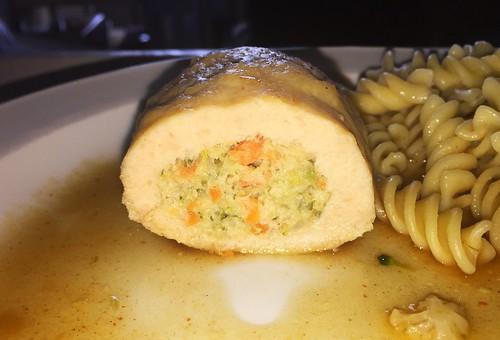 Chicken roulade - Lateral cut / Hähnchenroulade - Querschnitt