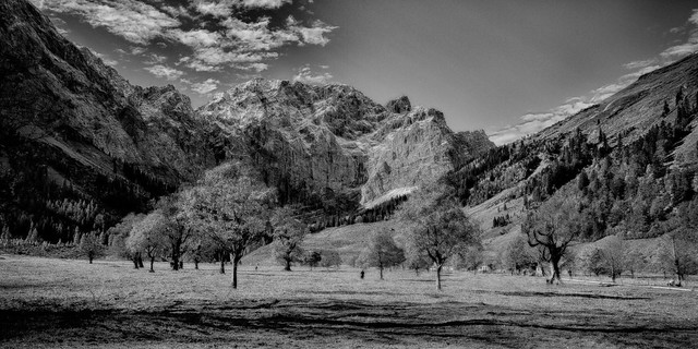 Eng , Montains in BW