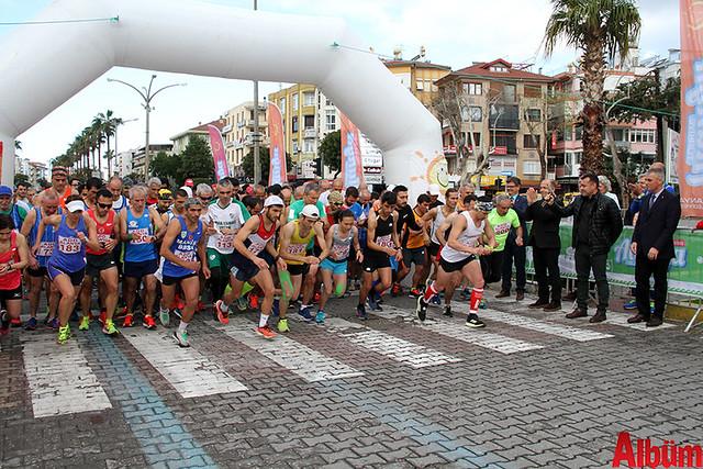 'Atatürk'e Koşalım, Atatürk'le Koşalım' sloganı ile düzenlenen 18. Alanya Atatürk Yarı Maratonu ve Alanya Halk Koşusu -8