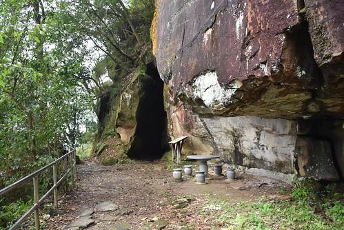 秀峰瀑布步道-龍船洞