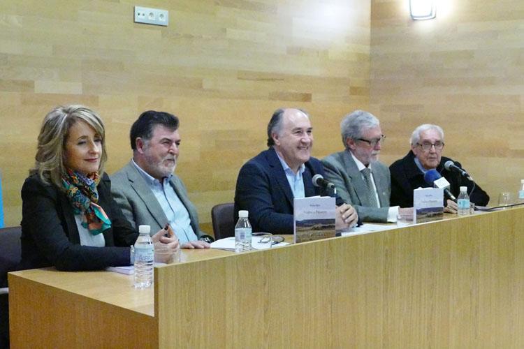 PRESENTACIÓN DEL LIBRO DE PEDRO RÍOS CALVO VUELTA A PAJARETE1