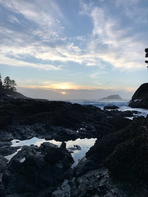 Tofino - Sunset on McKennzie Beach
