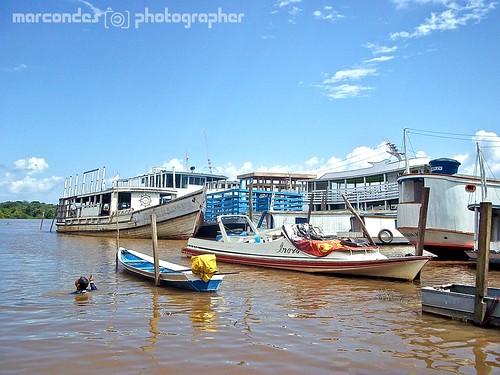 Barcos no Porto da Caesa - Santana, AP