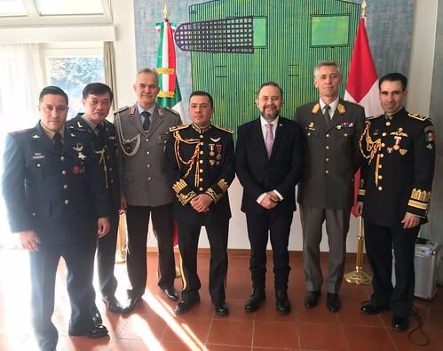 Celebración del Día de las Fuerzas Armadas Mexicanas en Suiza