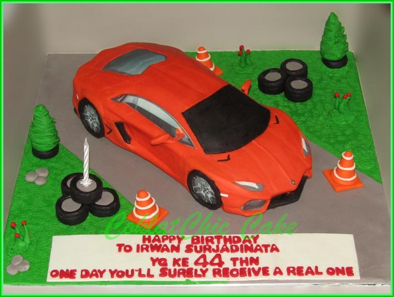 Cake Lamborghini Aventador IRWAN 30 cm