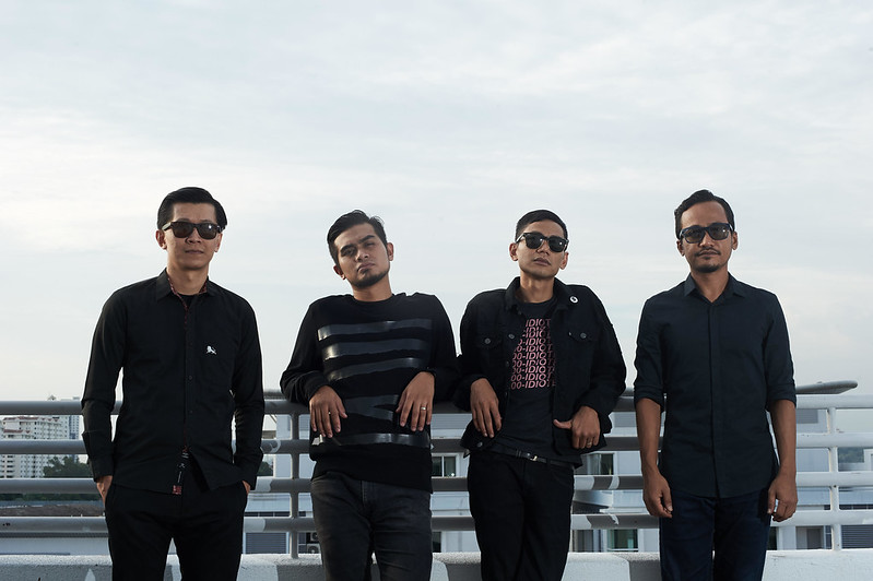 Seven Collar T-Shirt Lancar Single Terbaru Berjudul LINES