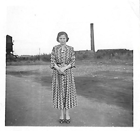 Woodyard Martha Knowles with Walton pit stack in background