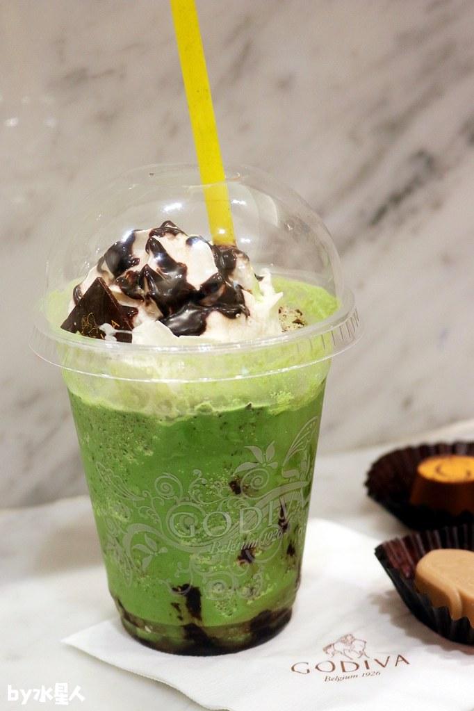 39063132154 c4a3f9514c b - GODIVA抹茶巧克力霜淇淋首賣,台中大遠百店期間限定