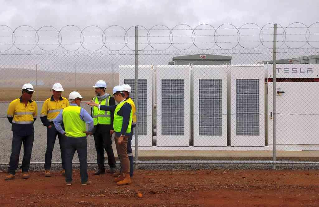 Tesla va créer une «centrale électrique virtuelle» avec 50 000 foyers australiens
