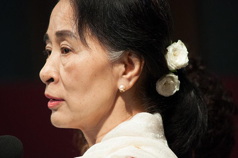 Aung San Suu Kyi en 2013, CC BY SA, Comune Parma