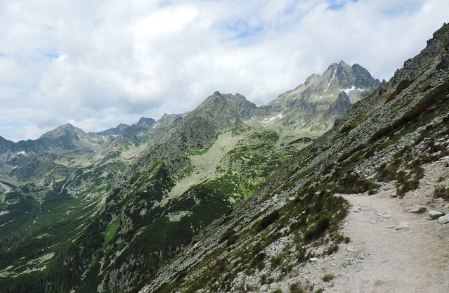 Lesser-known hikes in The High Tatras: towards Sedlo pod Ostrvou