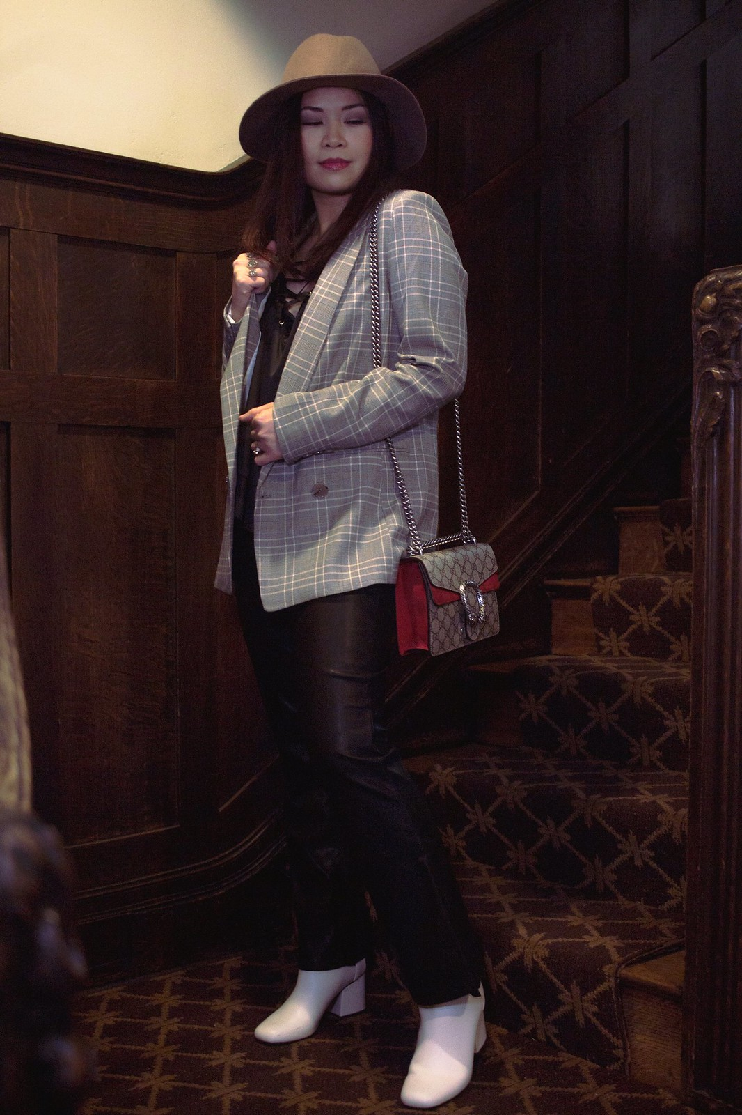 fedora-blazer-faux-leather-pants-white-boots-gucci-bag-3