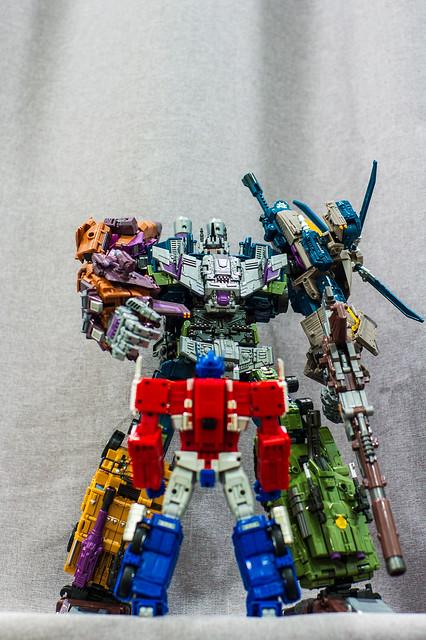 Bruticus VS Prime 1