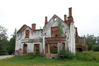 Руины усадьбы Крёкшино