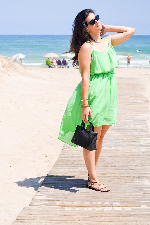 somethingfashion blogger beach ootd style outfit_green dress flowy_valencia spain influencer blogger moda 5
