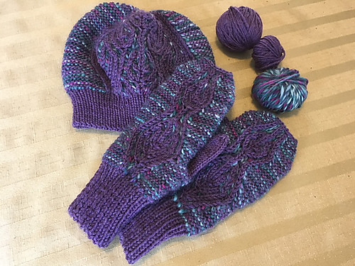 Sandi (sandima) 'scBetua Hat and Mitts