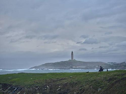 Una tarde de invierno junto al mar. #Coruña #olympus #photography #mar #torredehercules #ocean #sky #clouds #olympusomd