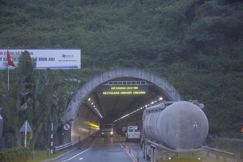 Longest road tunnel in Asia!  Vietnam