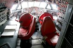 Comet 4 cockpit simulator