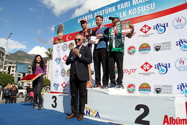 'Atatürk'e Koşalım, Atatürk'le Koşalım' sloganı ile düzenlenen 18. Alanya Atatürk Yarı Maratonu ve Alanya Halk Koşusu -7