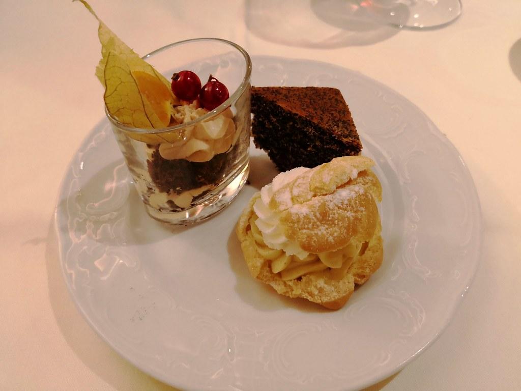 Mini dessert platter