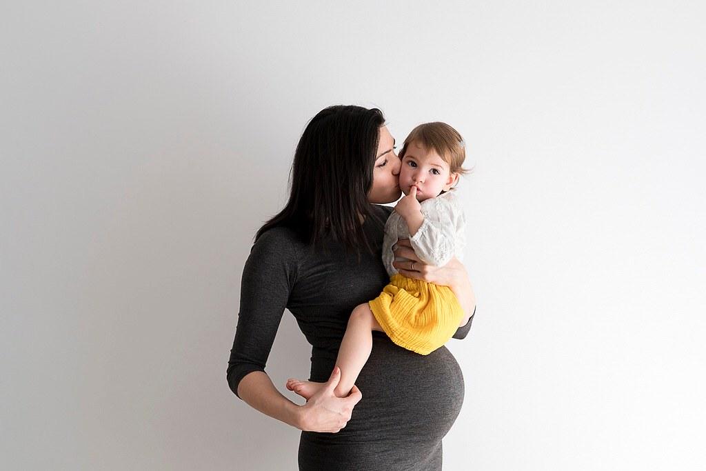 Eva con un año y yo embarazadísima de Samuel