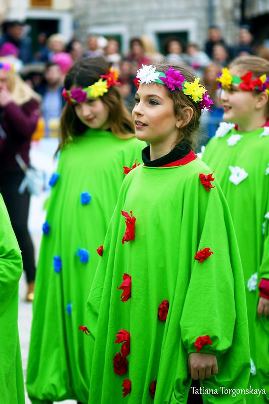 """Девочки из группы  """"Хризантемы"""""""