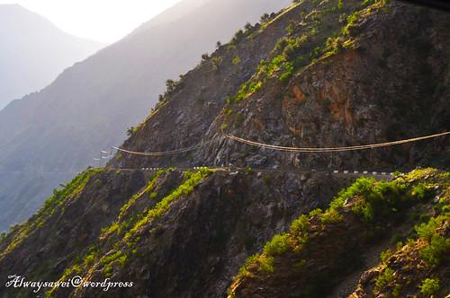 Traveling on the Edge - Hitchhiking in Pakistani Kashmir