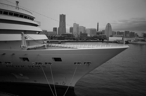 Yokohama monochrome 5