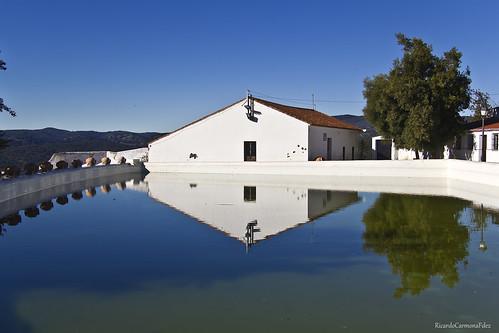 La alberca - The reservoir