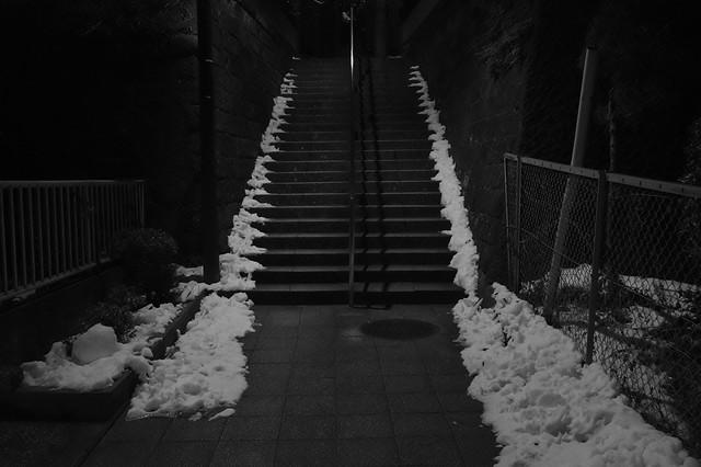 近所の石階段