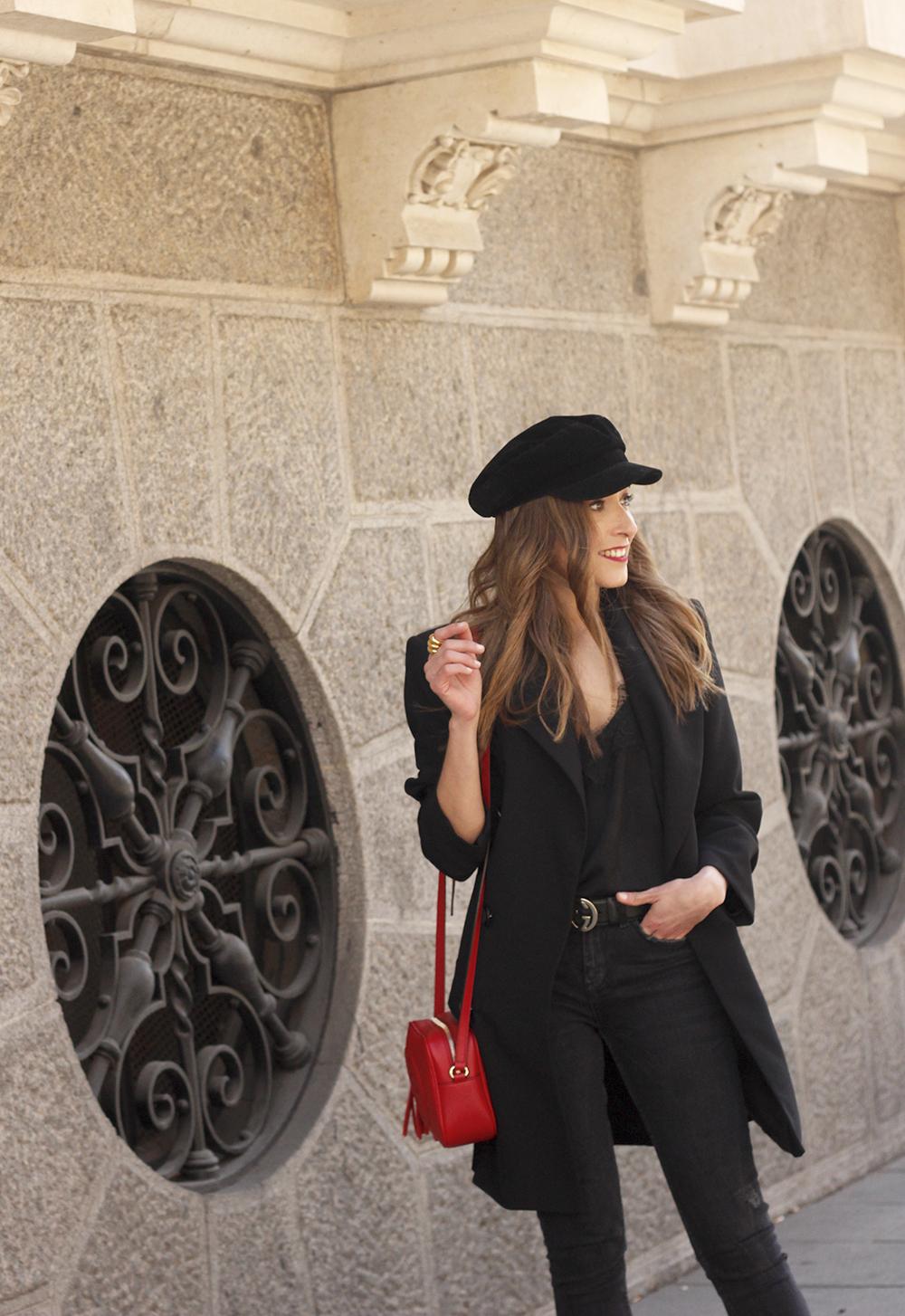 black blazer bicolor boots uterqüe gucci bag gucci belt navy cap style fashion winter outfit13