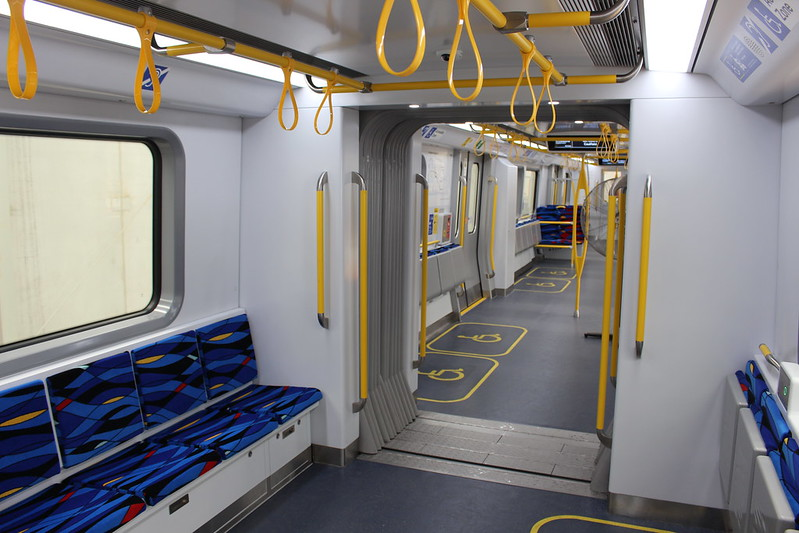 New metro trains: inter-carriage connection