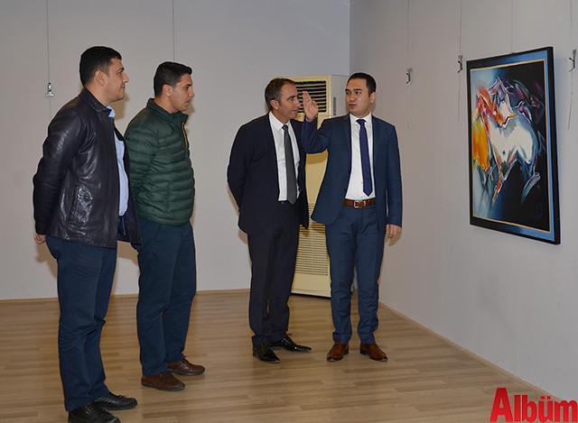 Alanya Cumhuriyet Başsavcısı Yasin Emre, Alanya İlçe Emniyet Müdürlüğü Asayiş Büro Amiri İsa Arı ve Azerbaycanlı Ressam Eldar Zeynalov sergi -2
