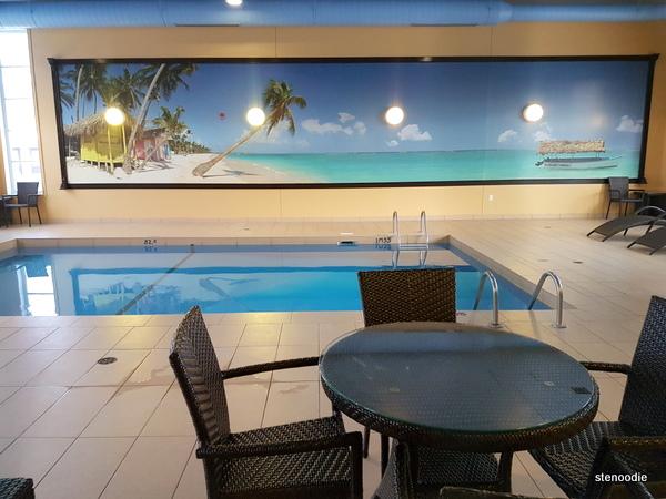 Comfort Inn & Suites Saint-Nicolas, Quebec pool