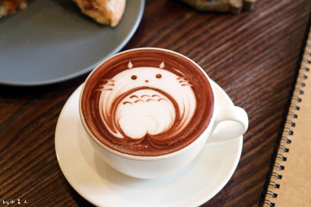24465898887 e6dcd91f08 b - 熱血採訪|MT49芒果樹咖啡店,單品手沖咖啡、現做鬆餅輕食帕里尼,宮崎駿龍貓可愛陪伴