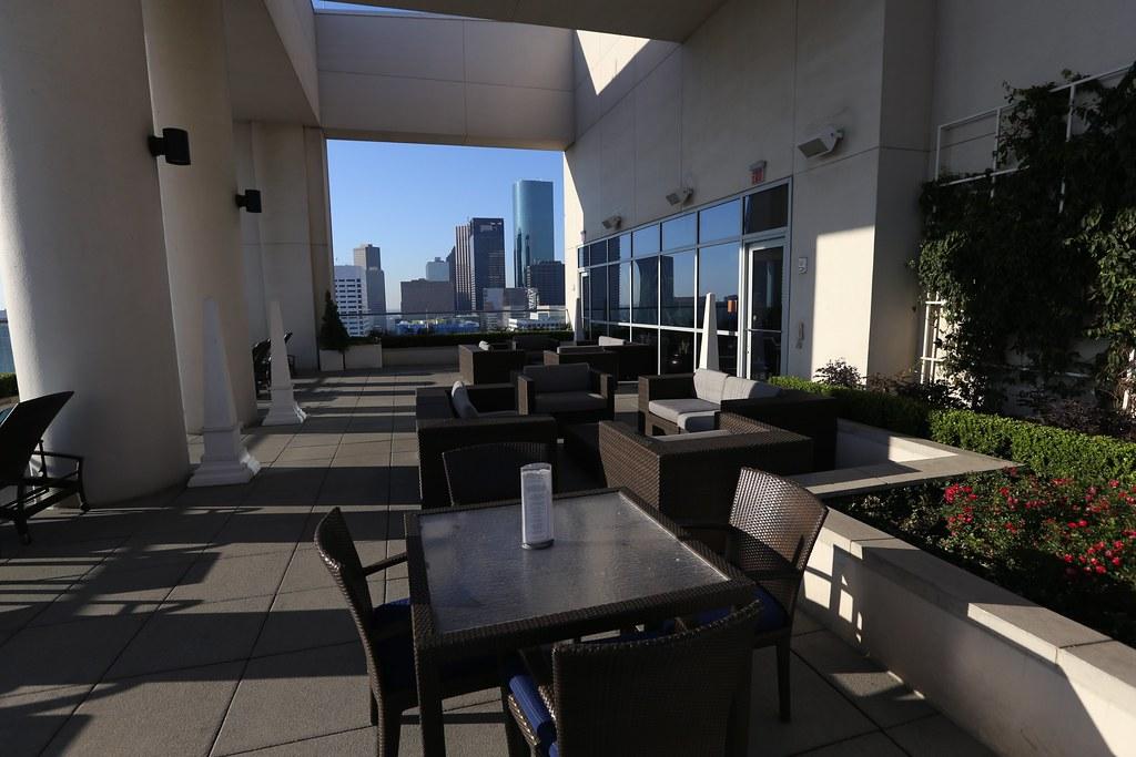 Hilton Americas-Houston Pool and Gym 7