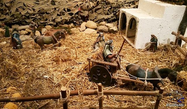 El Regimiento de Transmisiones nº 22 de Burgos monta el Belén 11
