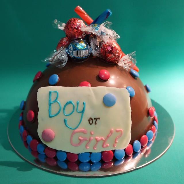 Gender Reveal Smash Cake by Brisbane Smash Cakes