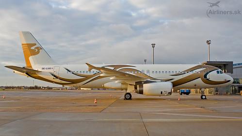 OE-LUG MJet tAirbus A320-232