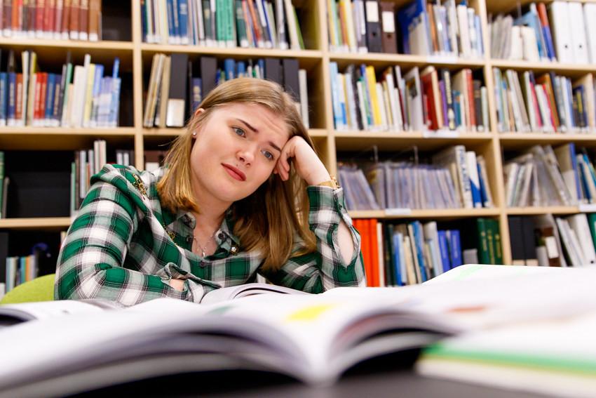 Opiskeluvinkkejä vinkkejä opiskeluun lukioon kirjoituksiin koeviikolle kokeisiin lukemiseen studying student-2511