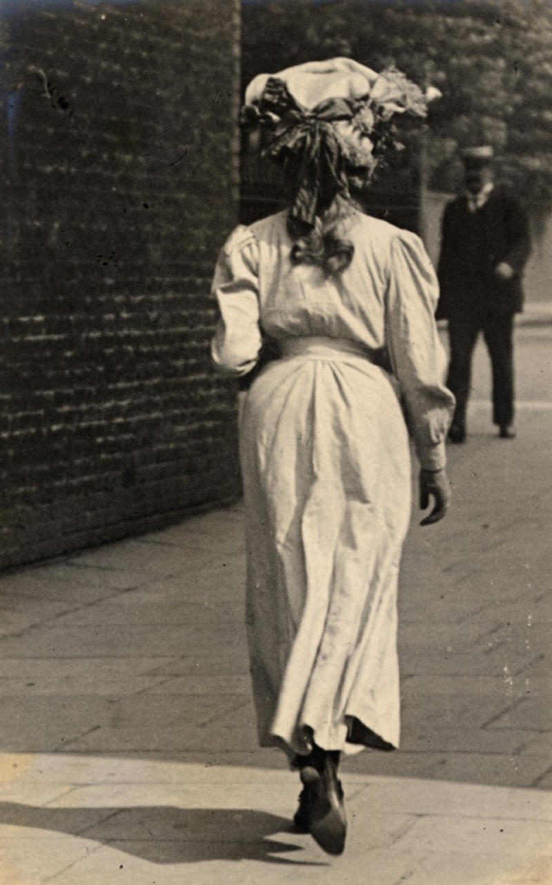 You've been spotted again, Mr Photoblogger. Kensington, 1906
