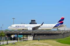 Latam Brasil Airbus A321-211 PT-XPB RioGaleão