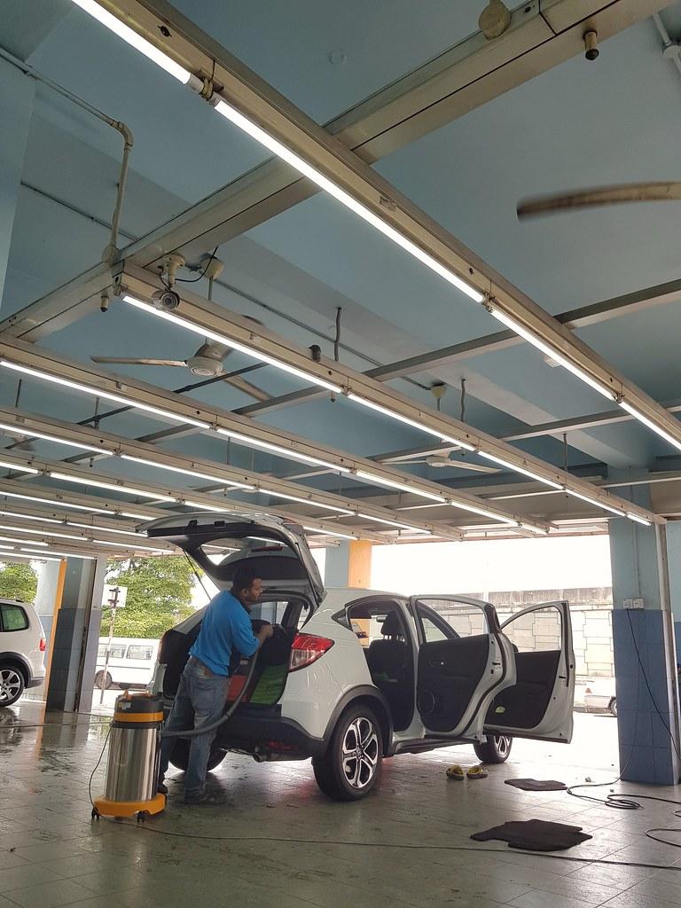 Member Car Wash & Vacuum $13 @ Shine Shine Car Wash USJ21