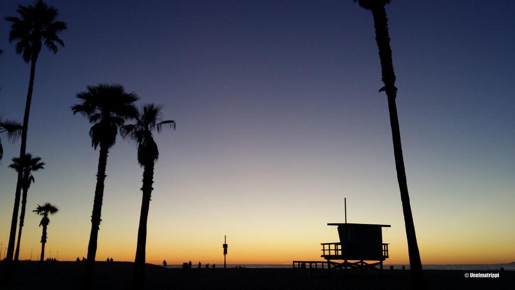 Upea auringonlasku Venice Beachillä, Kalifornia, USA