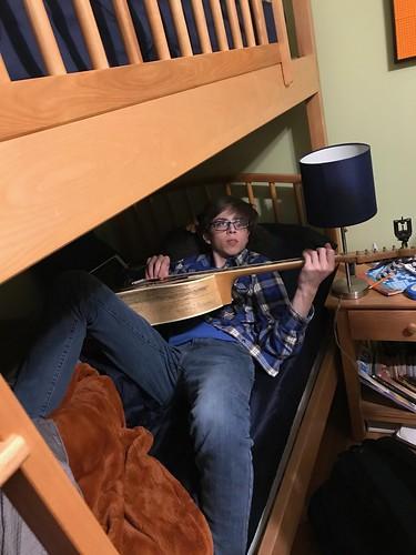 Max - Guitar
