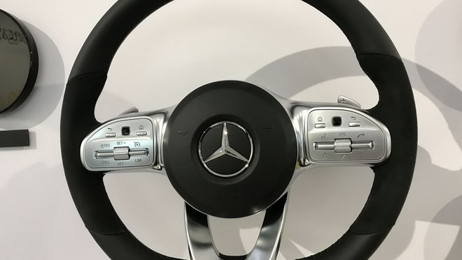 2018-mercedes-benz-steering-wheels (2)