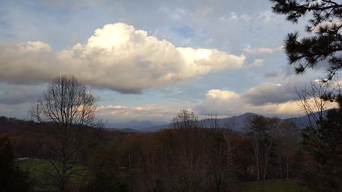 mountain mountains mountainous appalachians appalachianmountians northcarolina nc south mamluke autumn fall trees view vista clouds sunlight